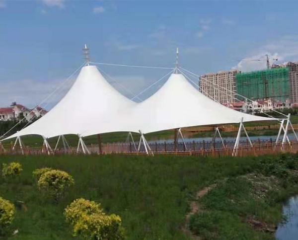 内蒙乌兰浩特成吉思汗公园膜结构景观
